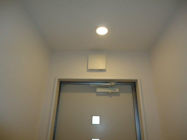 玄関センサーライト