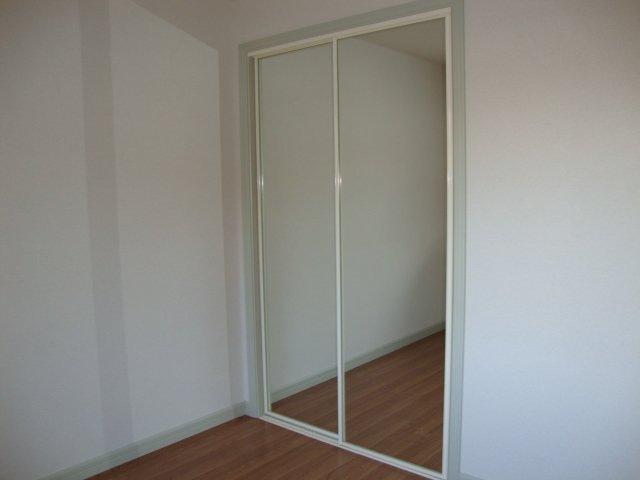 洋室(2)クローゼット