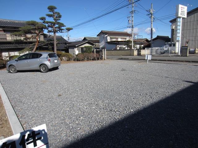 取出町 駐車場(4)