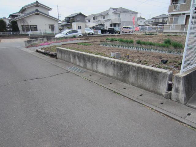 新子田 依田売り土地(4)