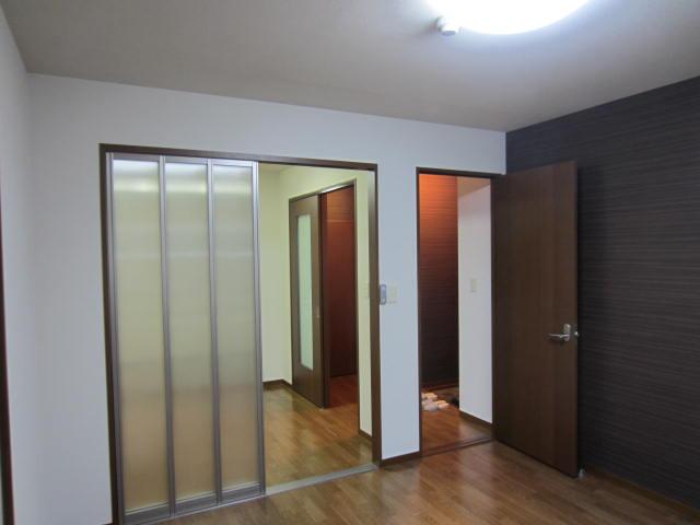 洋室(3)