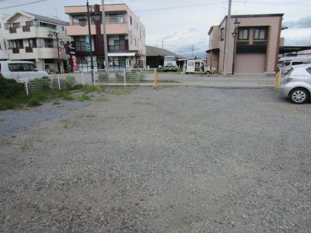 原 駐車場(8)