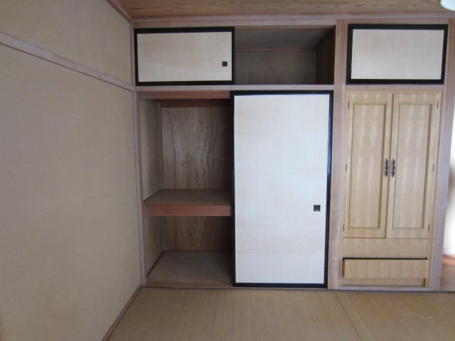 2階和室・収納(1)