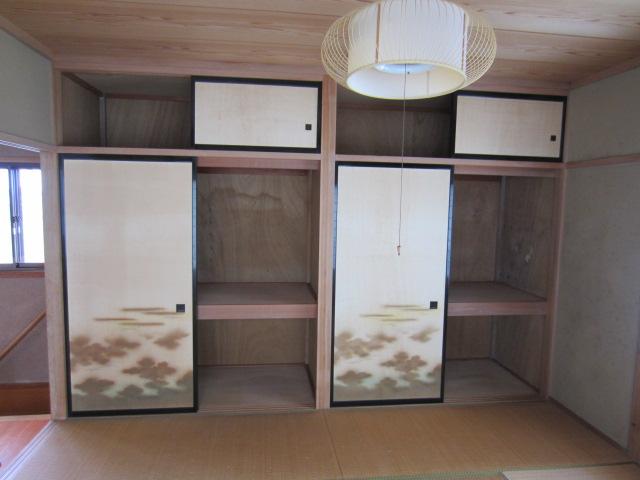 2階和室・収納(2)