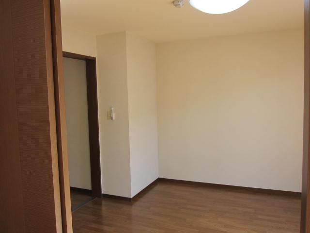 洋室(2)